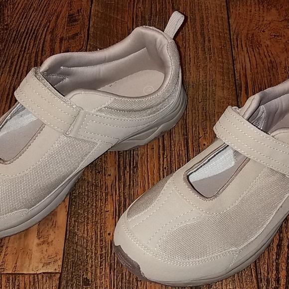 Danskin Shoes - Danskin womens shoes size 9